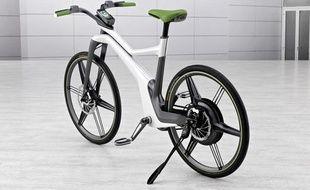 Le ebike, nouveau vélo hybride de la marque automobile Smart, a été présenté lors du salon de l'automobile de Francfort