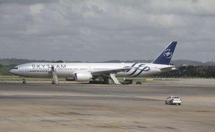 L'appareil d'Air France qui a atterri en urgence à l'aéroport international Moi, de Mombasa, au Kenya, le 20 décembre 2015.