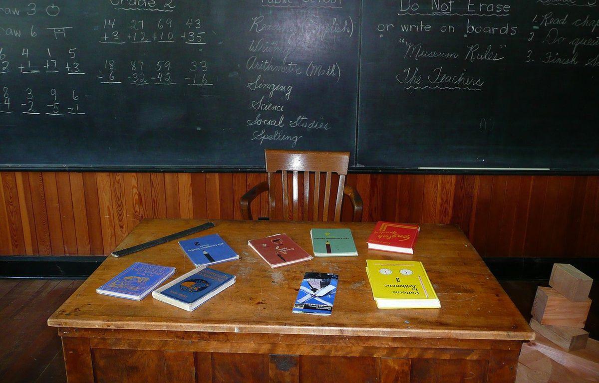 Le bureau d'un enseignant absent – Pixabay/Werner