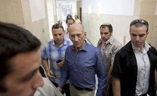 L'ex-Premier ministre israélien Ehud Olmert a été jugé coupable dans une affaire de corruption mardi par le Tribunal de district de Jérusalem qui l'a en revanche acquitté de cette même charge dans deux autres dossiers, au terme d'un retentissant procès.