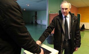 Franck Briffaut, le maire FN de Villers-Cotterêts (Aisne), lors des élections départementales, le 29 mars 2015.