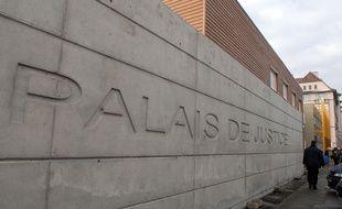 Palais de justice installé place d'Islande. Strasbourg le 29 01 07.