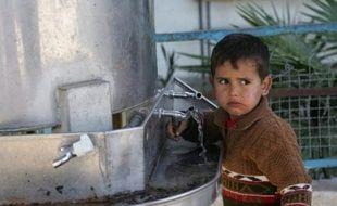 """A la suite de l'intitiative égyptienne, Israël a interrompu ses bombardements sur Gaza-ville mercredi pendant trois heures """"pour des raisons humanitaires"""". Le Hamas a cessé ses tirs de roquettes pendant cette brève accalmie."""