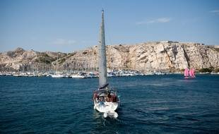 Un voilier, ici près de Marseille