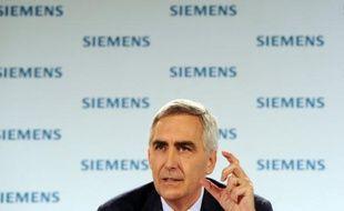 Le géant industriel allemand Siemens, rattrapé par la conjoncture économique morose, a dévoilé jeudi un important plan d'économies de 6 milliards d'euros pour regagner en rentabilité et se recentrer sur ses coeurs de métier.