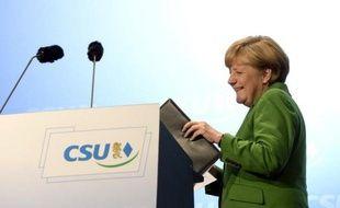 La coalition d'Angela Merkel formée des conservateurs et des Libéraux en Allemagne obtiendrait une très courte avance aux élections, selon le dernier sondage paru avant les législatives de dimanche.