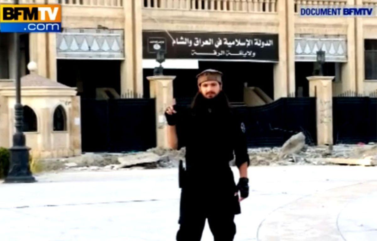 Photo publiée par BFM TV et montrant Abu Abdallah al-Faransi, un Français soupçonné d'être impliqué dans la décapitation de Peter Kassig.  – BFM TV