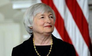 La Réserve fédérale américaine (Fed) a décidé mercredi de poursuivre comme attendu une réduction limitée de son soutien monétaire à l'économie des Etats-Unis et de maintenir les taux d'intérêts inchangés proches de zéro.