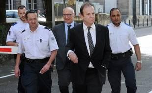 François-Marie Banier et son avocat.  AFP PHOTO / MEHDI FEDOUACH
