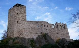 Le château du Bernstein, en Alsace.