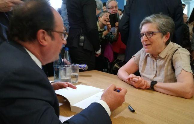 Jusqu'à juin, l'ancien président François Hollande fait la tournée de quelques librairies après la sortie de son livre, comme ici à Strasbourg.