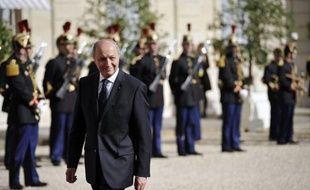 La composition du gouvernement Ayrault a été dévoilée mercredi, avec parmi ses membres l'ex-Premier ministre Laurent Fabius, 65 ans, comme ministre des Affaires étrangères et Pierre Moscovici, 54 ans, ministre des Finances.