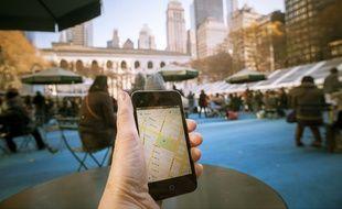 Un utilisateur de Google Maps à Bryant Park, New York.