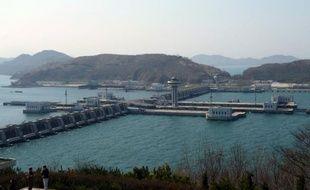 Les autorités grecques ont saisi en septembre près de 14.000 combinaisons de protection contre les armes chimiques sur un bateau nord-coréen qui était peut-être en route vers la Syrie, ont indiqué des diplomates mercredi.