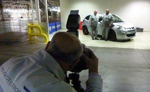 Présentation de la dernière voiture produite par l'usine PSA d'Aulnay-sous-Bois, le 25 octobre 2013.