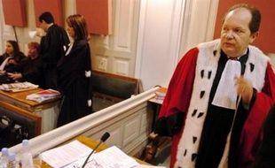 """Philippe Bilger, avocat général à la cour d'appel de Paris, a admis vendredi sur Europe 1 avoir commis une """"maladresse d'expression"""" en estimant que la ministre de la Justice Rachida Dati n'avait """"pas été choisie par le président pour sa compétence"""", tout en maintenant ses propos"""