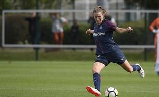 Emma Berglund, joueuse du PSG, au Camp des Loges