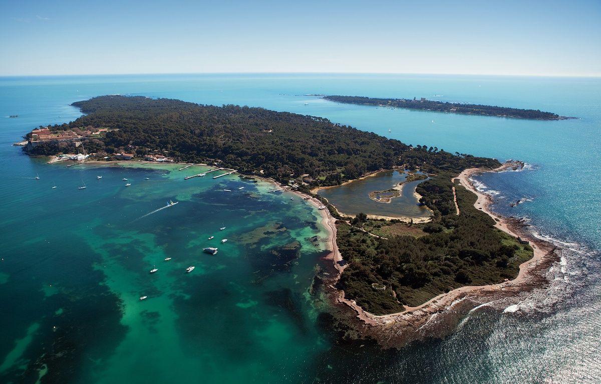 Les deux îles de Lérins, au large de Cannes – Eric Dervaux