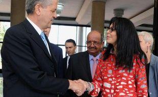 La ministre française de la Francophonie Yamina Benguigui, chargée de préparer la visite d'Etat du président François Hollande, est repartie samedi d'Algérie satisfaite de sa rencontre avec la nouvelle équipe ministérielle.