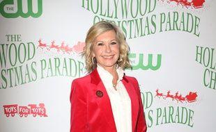 La chanteuse et actrice Olivia Newton-John à la 85e parade de Noël à Hollywood