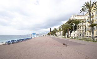 Le promenade des Anglais, à Nice, interdite d'accès le 27 février au premier jour du confinement ordonné pour deux week-ends dans 63 communes du département des Alpes-Maritimes