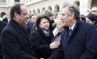 """François Hollande a assuré qu'il aurait, """"quoi qu'il fasse"""", """"de la considération"""" pour François Bayrou, le candidat du Modem qui doit livrer ce jeudi sa position sur le second tour, ajoutant qu'il le laissait """"libre"""", jeudi sur France 2."""