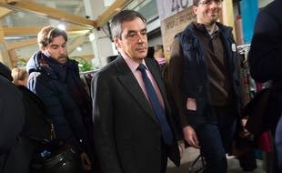 François Fillon, le 3 janvier 2017, dans un centre Emmaüs de Paris.