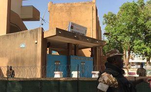 Militaires dans le centre de Ouagadougou (Burkina Faso) le 2 mars 2018.