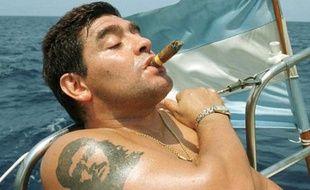 """Le """"Pibe"""" vogue désormais vers de nouveaux horizons. Sa carrière terminée, il s'installe à Cuba, où a vécu Che Guevara qu'il admire plus que quiconque."""
