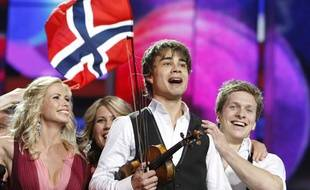 Le chanteur norvégien Alexander Rybak lors de sa victoire à l'Eurovision le 16 mai 2009.