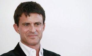 """Manuel Valls, directeur de la communication de François Hollande, candidat PS à la présidentielle, a estimé dimanche qu'avec la TVA sociale, """"on tue toute possibilité de reprise""""."""