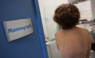 Lors d'une mammograhie de dépistage du cancer du sein.