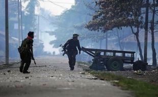 Les violences entre communautés musulmane et bouddhiste dans l'ouest de la Birmanie ont fait 28 morts et 53 blessés depuis vendredi, a annoncé jeudi un responsable birman à l'AFP.