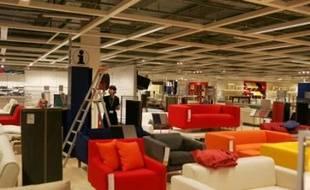 Les représentants de quatre grandes entreprises de distribution de meubles en France - Conforama, Ikea, Alinea et But - ont demandé mardi de pouvoir ouvrir le dimanche les magasins dédiés à l'ameublement en Ile-de-France, au cours d'une conférence de presse