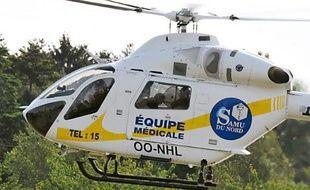 Un hélicoptère du Samu dépose un blessé près de l'hôpital Jeanne de Flandre,  le 17 Juin 2011 à Lille