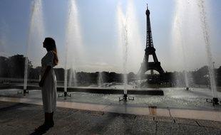 Paris, le 24 juillet 2018. Le phénomène des îlots de chaleur urbains fait suffoquer les habitants des villes.