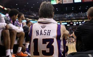 Le meneur canadien Steve Nash, élu deux fois d'affilée MVP de la saison régulière en 2005 et 2006, et devenu cette saison le 5e meilleur passeur de l'histoire de la NBA, pourrait avoir fait sa probable dernière apparition sous le maillot de Phoenix