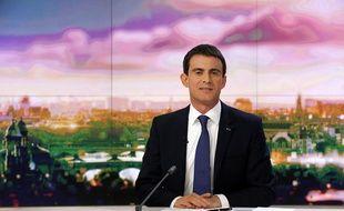 Manuel Valls sur le plateau du JT de France 2 le 7 décembre 2014