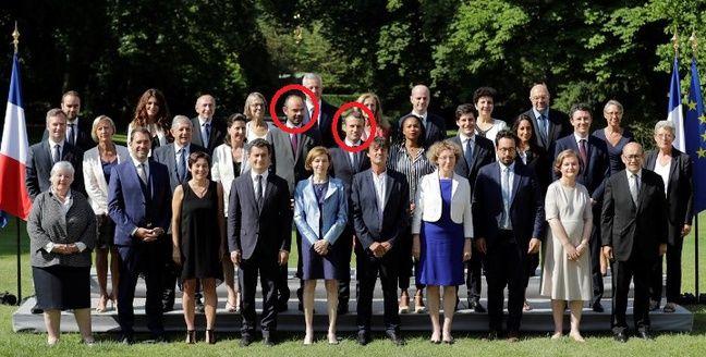 Edouard Philippe et Emmanuel Macron se sont cachés sur cette photo, sauras-tu les retrouver?