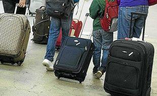 Un vol, un hôtel de dernière minute, une location d'auto sont à portée de smartphone.