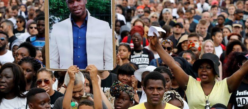 Dans l'affaire Adama Traoré, la justice refuse d'organiser une reconstitution des faits.
