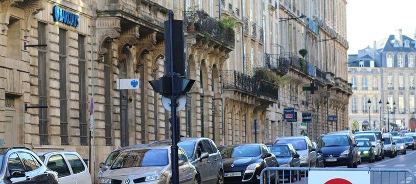 Illustration de restriction de circulation dans le centre-ville de Bordeaux.