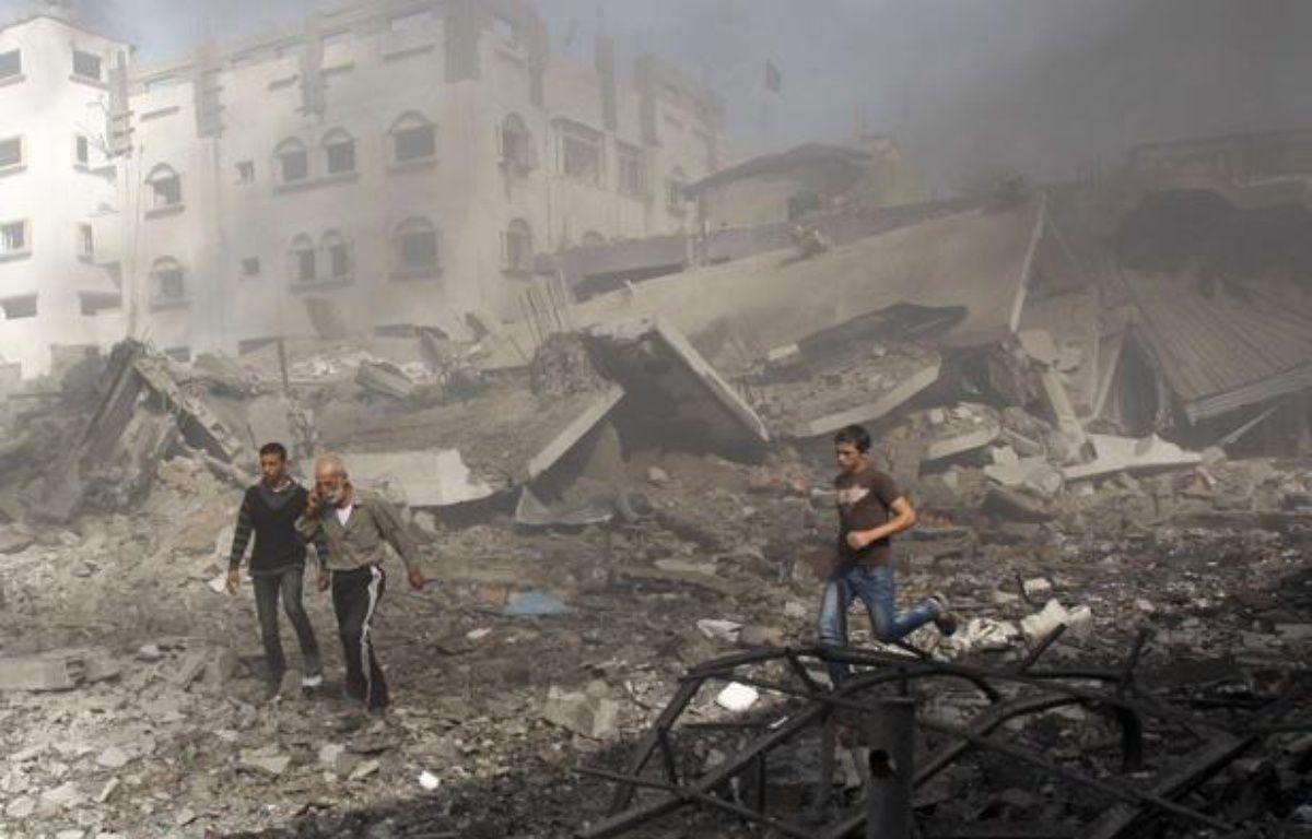 Un bombardement isarélien à Gaza, le 18 novembre 2012. – Adel Hana/AP/SIPA