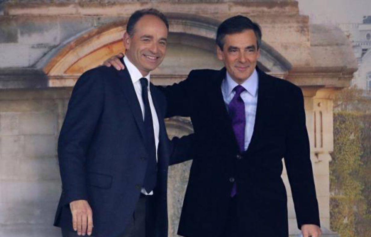 Les rivaux de l'UMP, François Fillon et Jean-François Copé, engagés un duel pour le contrôle du parti, se retrouveront samedi côte à côte à l'occasion d'un séminaire de cadres et dirigeants du mouvement consacré à la préparation des législatives. – Kenzo Tribouillard afp.com