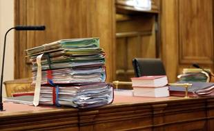 Illustration de dossiers en Cour d'Assises