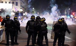 Les forces de l'ordre dans les rues de Lyon en marge des célébrations des supporters algériens le 19 juillet 2019