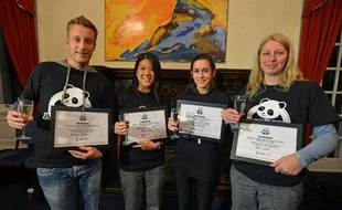 Jérôme Pouille et les trois autres finalistes du concours Chengdu Pambassador lors des demi-finales à Edimbourg le 14 octobre 2012.