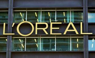 Les actionnaires de L'Oréal ont approuvé mardi l'entrée au conseil d'administration de Jean-Victor Meyers, le petit-fils aîné de Liliane Bettencourt, en remplacement de l'héritière du numéro un mondial des cosmétiques.
