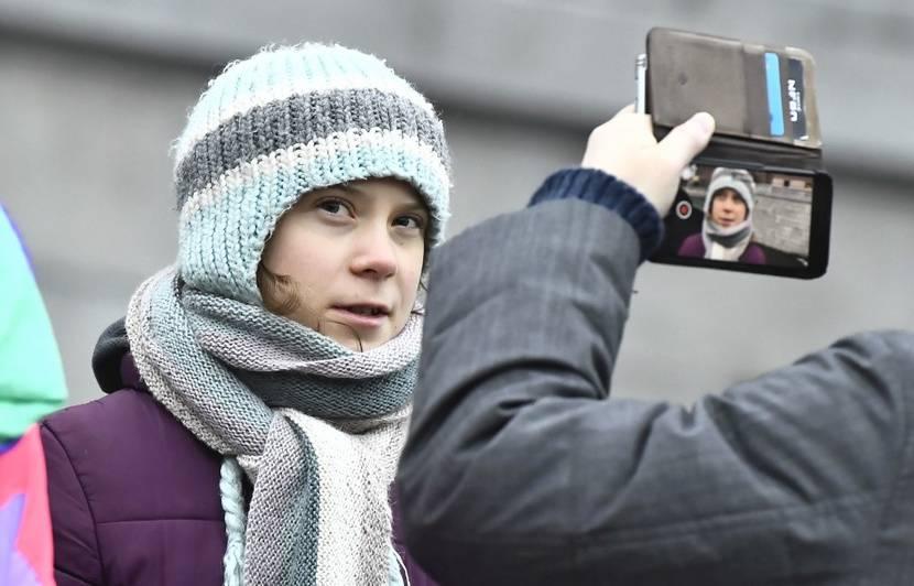 Les publications de Greta Thunberg sur Facebook sont-elles écrites par d'autres ?