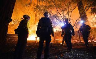 Les incendies se poursuivent, ici à Boulder Creek.